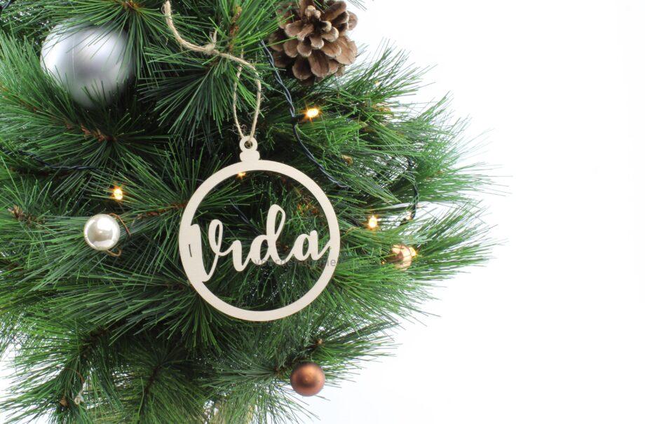 houten-kerstbal-met-naam-vida